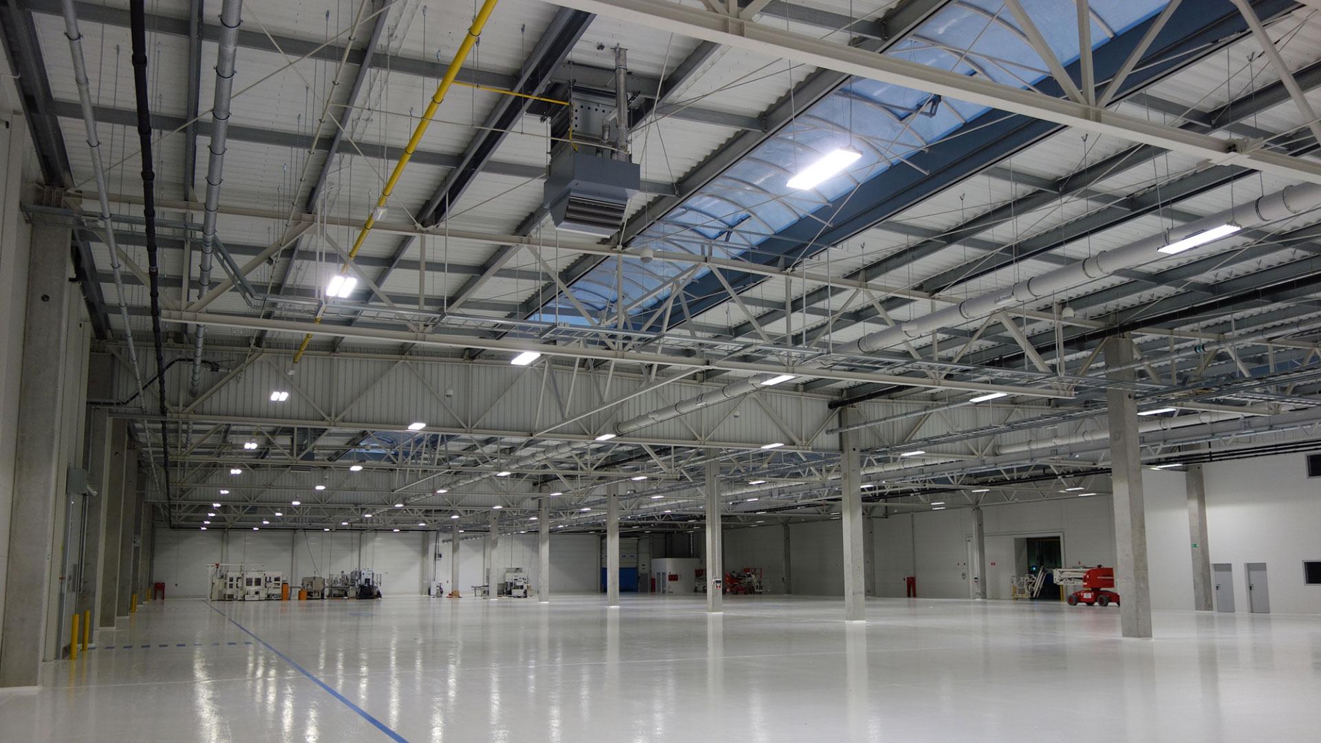 Jakie Oświetlenie Do Hali Produkcyjnej Lumiverso